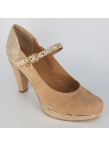 Sapatos em camurça e pele