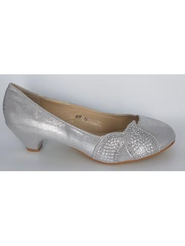 Sapatos com tacão baixo