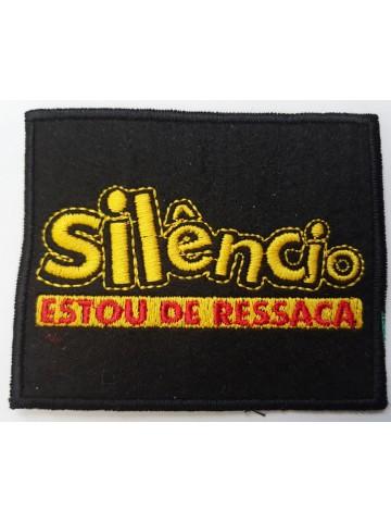 Silêncio Estou De Ressaca