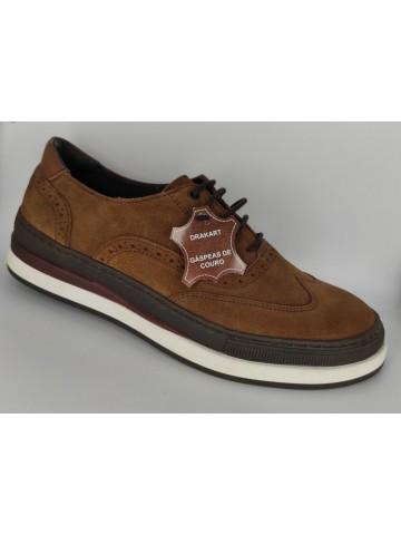 Sapatos desportivos em camurça